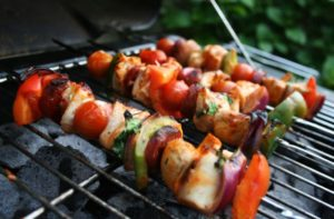 Crunchy Chicken Kebabs on a bed of mixed leafs with a Thai Sweet Chilli Sauce and our Sprinkles
